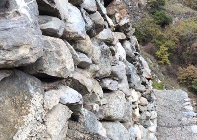 Travaux de renforcement d'un mur de vignes avec le système d'ancrage Platipus