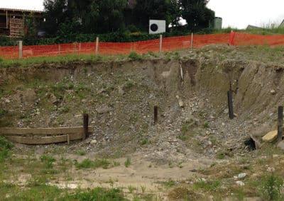 Travaux d'ancrage d'une paroi d'excavation dans un remblai