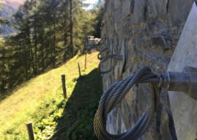 Travaux d'ancrage d'un mur de soutènement à stabiliser