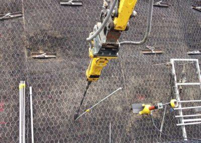 Travaux d'ancrage d'une fouille d'excavation avec le système d'ancrage Platipus