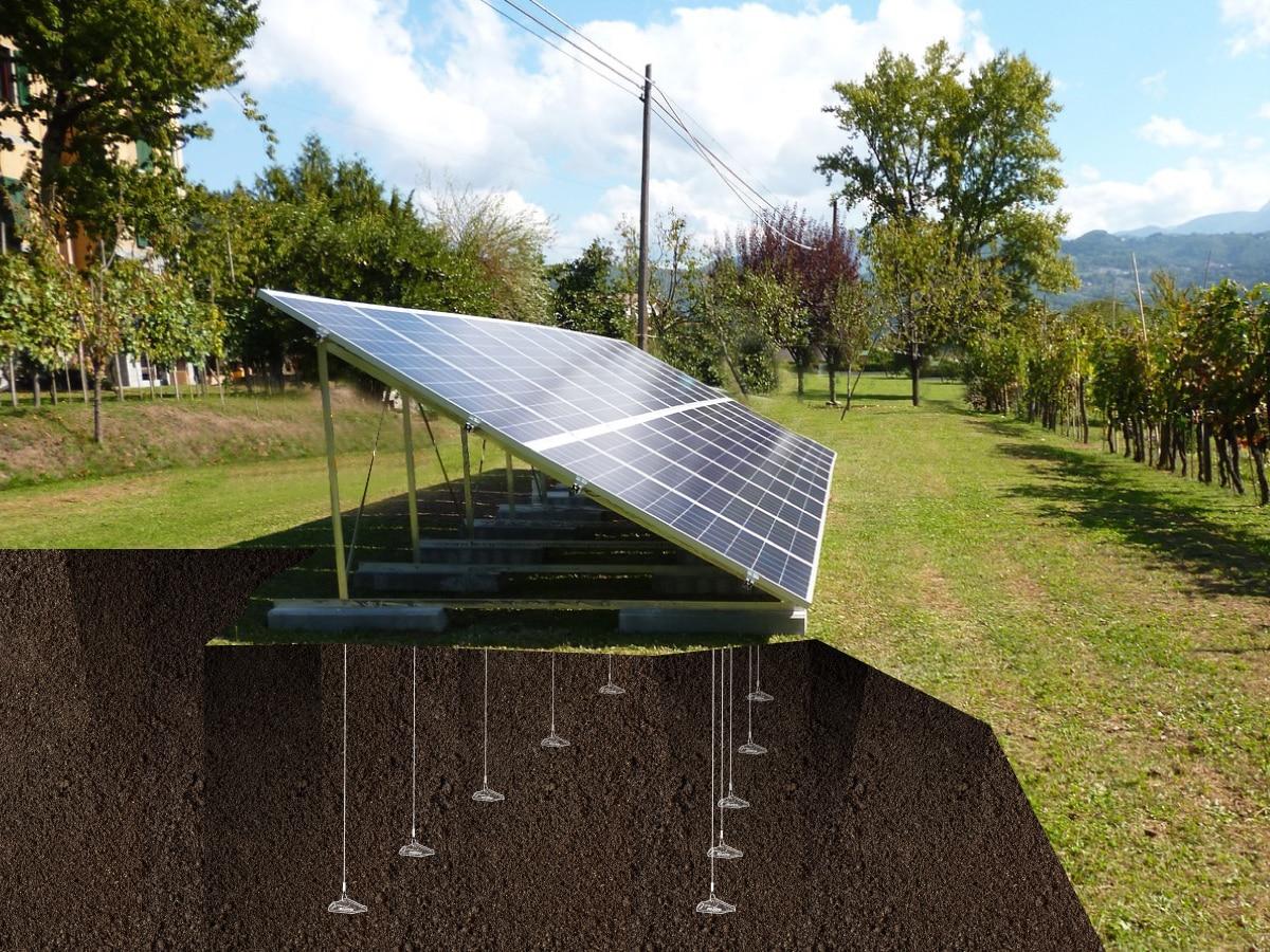 Ancrage de structures tels que des panneaux photovoltaïcs