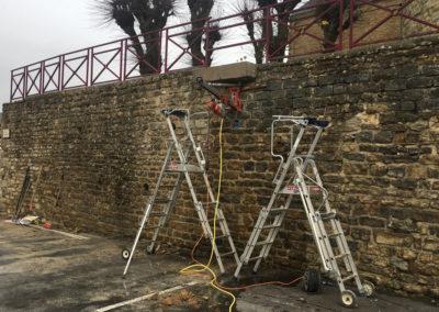 Travaux d'ancrage pour le soutènement d'un mur à Tournes en France