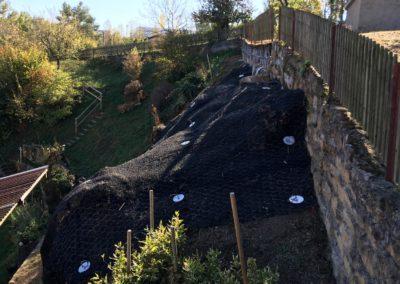 Travaux d'ancrage et de drainage d'un mur à Boudry