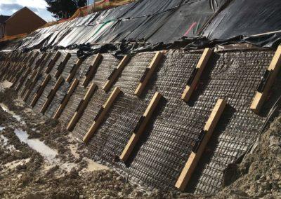 Travaux d'ancrage provisoire d'un talus à La Chaux-de-Fonds