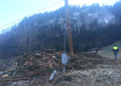 Travaux d'ancrage d'un câble-grue en forêt à Charmey (FR) par Anteq SA