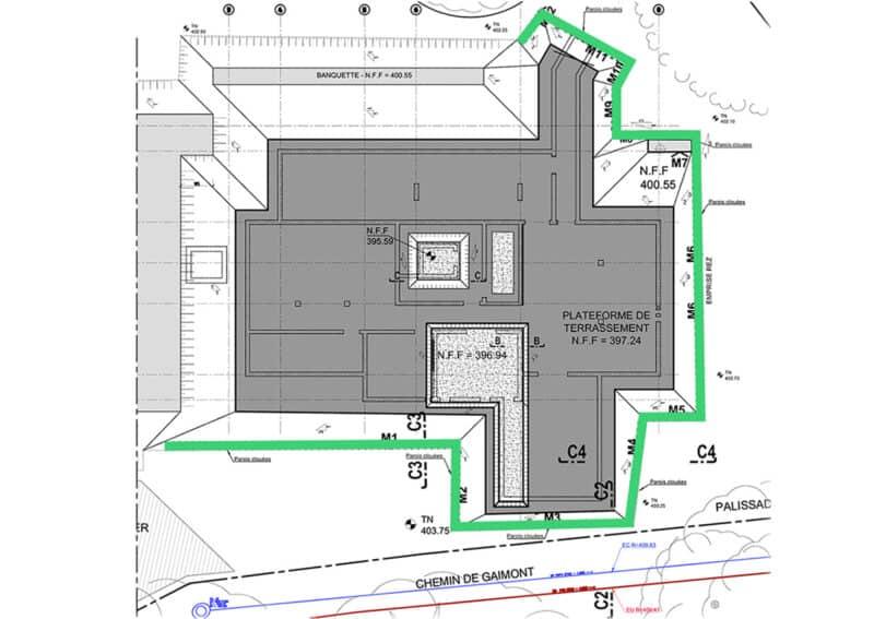 Travaux de blindage d'une fouille d'excavation pour la construction d'un immeuble