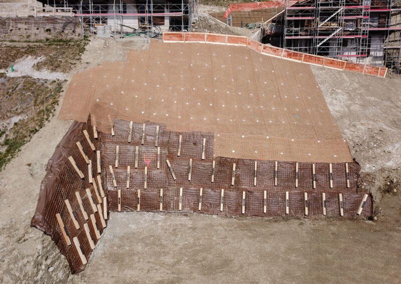 Travaux de blindage temporaire et permanente d'une fouille d'excavation à Hérémence